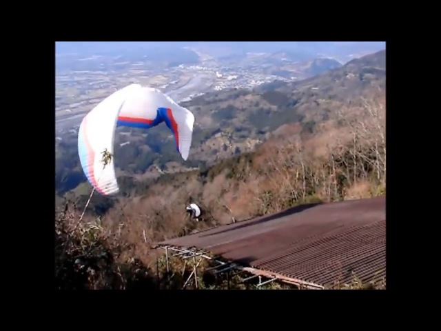 Paragliding crash and funny moments