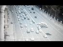ДТП с перевернувшимся грузовиком в Москве попало на видео