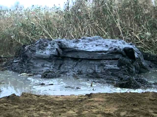 Под Волгоградом подняли танк Т-34 Со дна речки Голубинка в Калачевском р-не