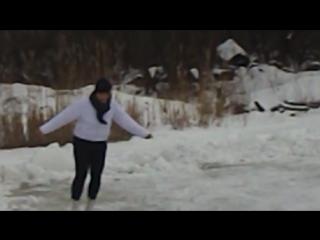 На большом катке звезды хоккея, на маленьком я)