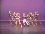 маленький Гослинг танцует патимейкер в 2к15 году на ТВ 80-х годов