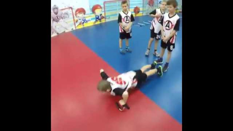 8yr old Russian hockey players off ice training