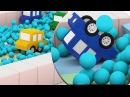 Cartoni animati per bambini Le macchinine colorate e la gara ad ostacoli