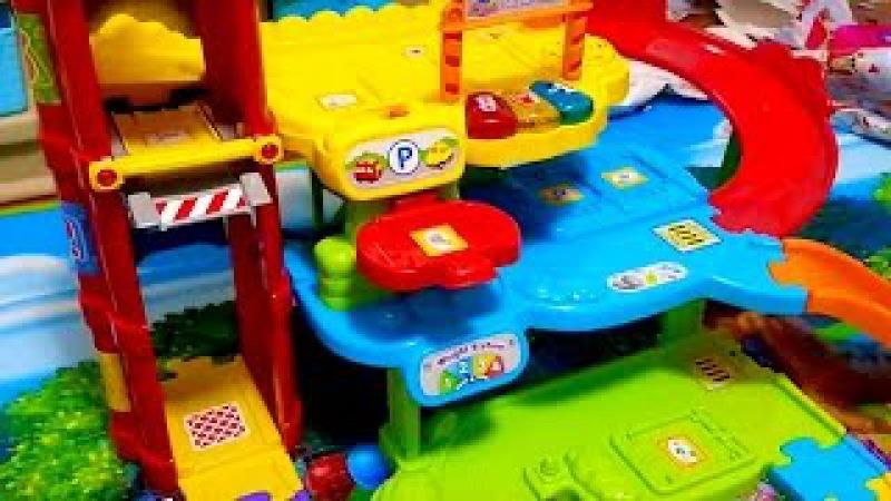 Парковка гараж автозаправочная станция и автосервис Все в одной игрушке для