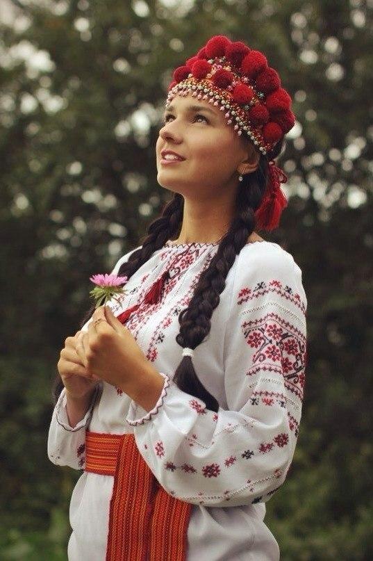 Признаки, по которым на Руси отличали девицу от замужней жены