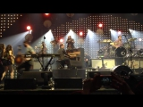Mumford &amp Sons feat. HAIM &amp Ben Howard  The Weight The Band Cover (Babel Tour Patriot Center)