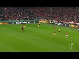 Manni Bender blockt - FC Bayern Munchen - BVB 2-3