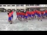 Как азиатские дети через скакалку прыгают - 720p