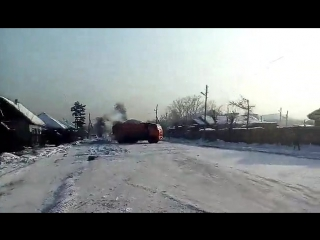 Снегоуборочная техника на улице Кечил-оола. 8.02.2017