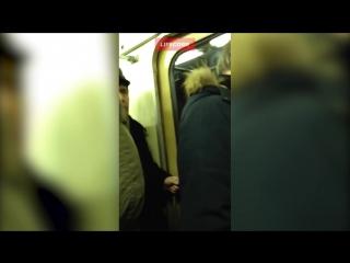 Застрявший в подземке из-за сбоя москвич сочинил гимн