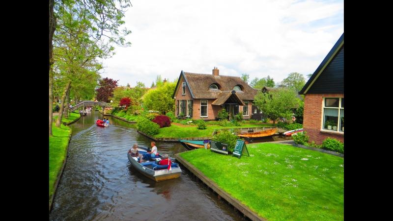 Хитхорн . Голландия. Мы плывем на лодке по каналам среди пения птиц....РАЙ !
