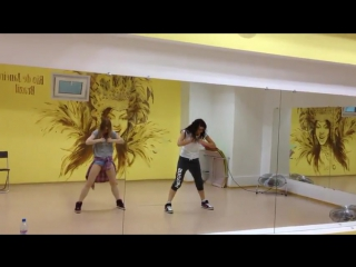 gospozha-ogromniy-horeografiya-seksa-olesi-zinger-oblap-onlayn