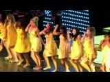 Glee Live Halo Walking on Sunshine