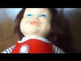 Страшно заразительный смех детской игрушки куклы