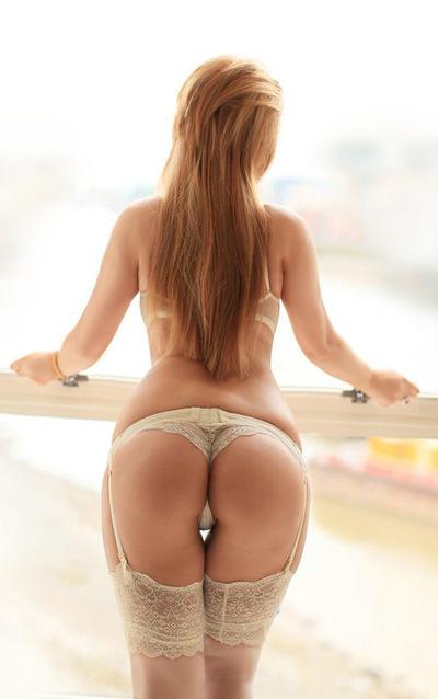 Девушка ищет секс у себя дома киев