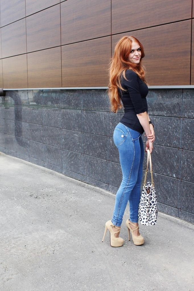 Fuqibikan com hot girls love big
