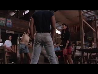Жан Клон Вандам Танцует.