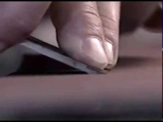 Заточка режущего инструмента с помощью наждачной бумаги