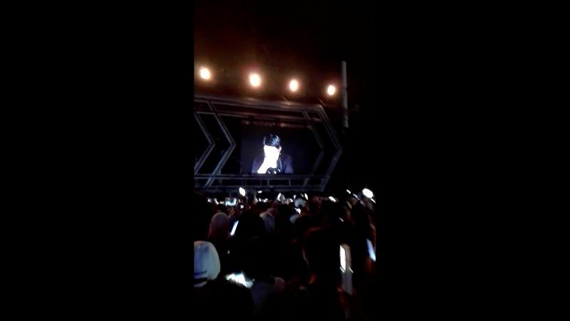 [FANCAM] 170318 EXO - Suho - CURTAIN, D.O - TMWIL, Chen - Im Not Okay @ EXO`rDIUM in Malaysia