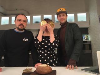 В 18.00! Прямой эфир! В гостях у «Еды» — актер Никита Тарасов, кондитер Луи из сериала и фильмов «Кухня»!