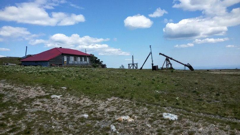 Метеостанция Таганай - Гора. Закончила свою деятельность в 90-х, демонтирована в 00-х