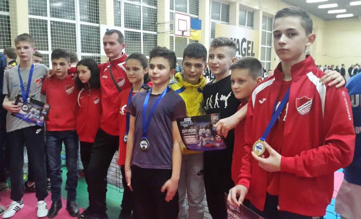 Буковинці привезли низку нагород з Всеукраїнських змагань з карате (ФОТО)