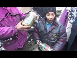 Делайте Ду'а за братьев и сестер в Сирии.Помогайте нуждающимся,не проходите мимо еще и в мирное время.