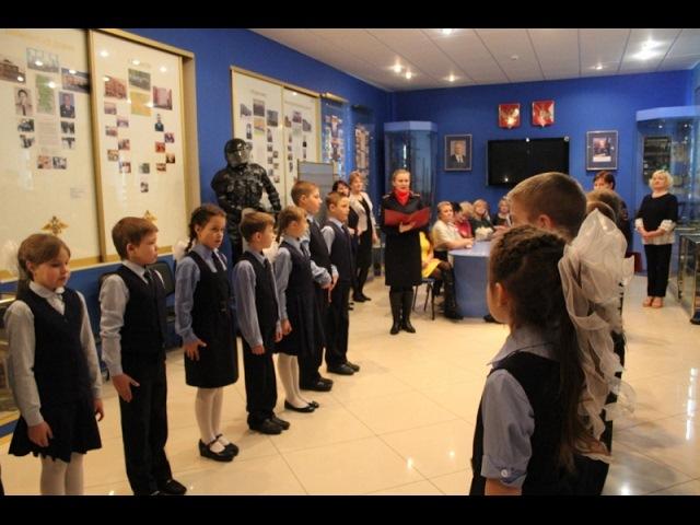 Полицейские приняли учеников Присухонской школы в отряд юных инспекторов дорож...