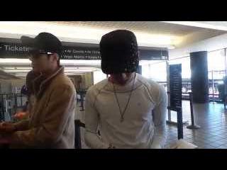 141029 Infinite Dongwoo Myungsoo at LAX airport