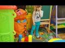 Кукла Ненуко и Мелисса играют в детском кафе. Doll Nenuko and Melissa playing in the children's cafe