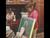 Коротко о том, как Виталина ждет свой рисунок от папы)