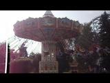 Большая карусель в парке аттракционов Диво остров