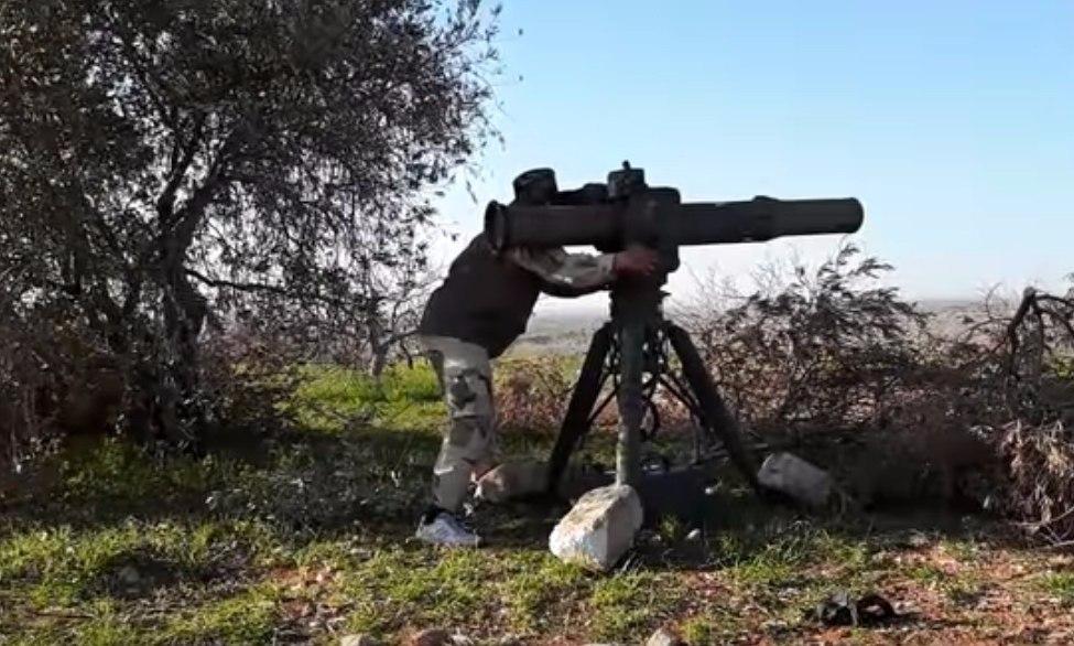 Боевики засняли, как сирийский Т-72 в Хаме «принял» под башню ракету TOW-2