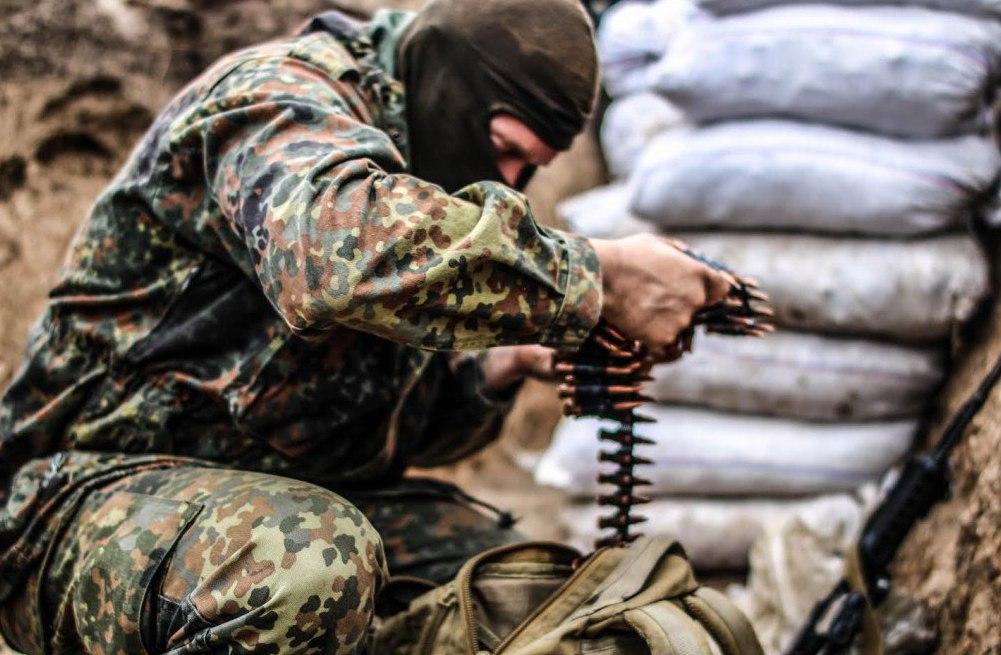 Под Донецком мощный бой: ВСУ на танках штурмуют передовые позиции ополчения
