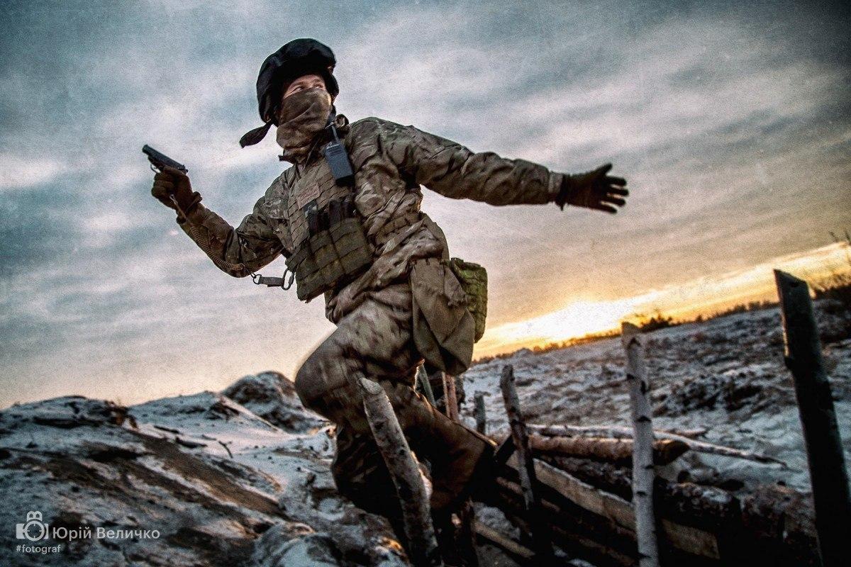 За прошедшие сутки в зоне АТО был ранен один украинский воин, - штаб - Цензор.НЕТ 435