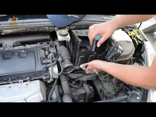 Аккумулятор на Peugeot 308 1.6 бензин: Bosch 60Ah R
