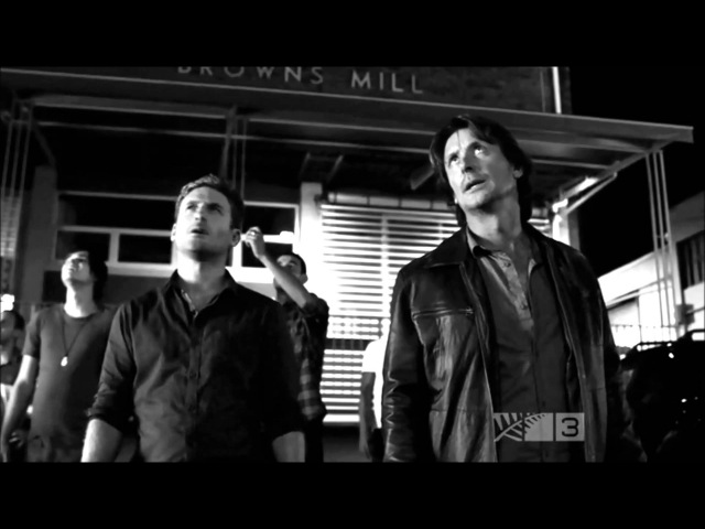 The Almighty Johnsons - 9 crimes