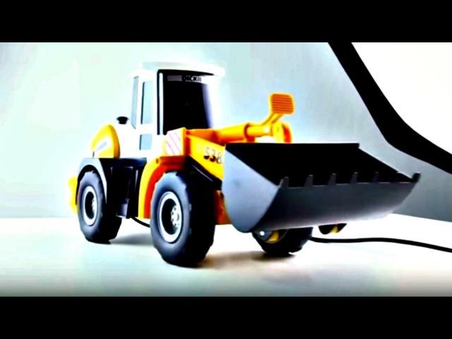 Déballage d'un bulldozer. Vidéo de voitures en français pour les enfants