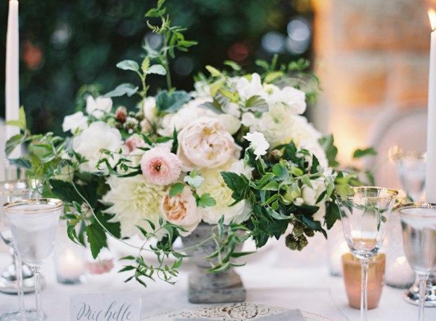 KGTD4hg6QgU - Жасмин в весенних свадебных букетах и декоре
