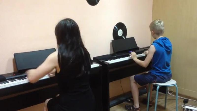 Наталия Аникина и Валера Яковлев. Импровизация. Урок в музыкально-эстетической школе Унисон