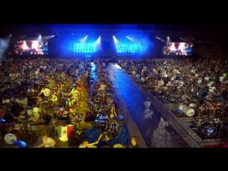 1000 музыкантов исполняют «Smells Like Teen Spirit»