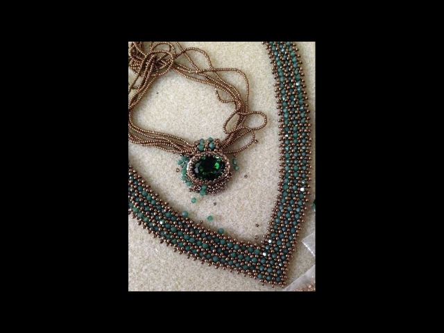 V Bling Necklace - A Bronzepony Beaded Jewelry Design