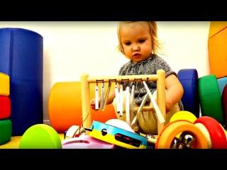 Dessin animé. Les jouets de Kira: INSTRUMENTS MUSICALES. Vidéo pour bébé