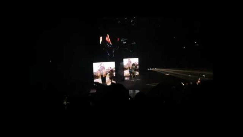 Future - Low life ft. The Weeknd (live summer sixteen tour) pt 1