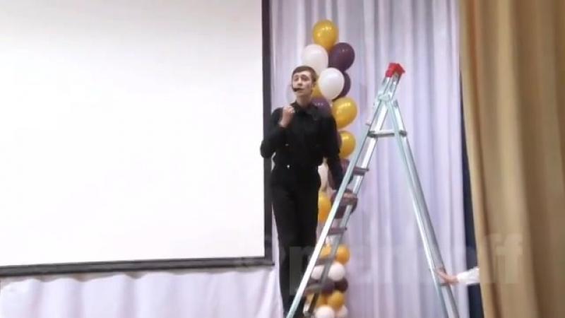 Выступление Лазарева на последнем звонке 🔥🎤👏😂 ptencoff