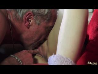 Порно русское внучка соблазнила деда фото 52-286