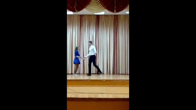 Мои любимые дети танцуют вальс