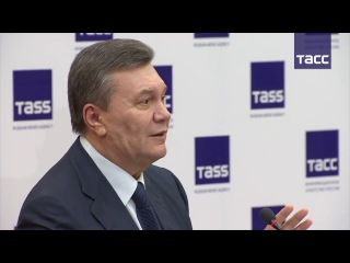"""Виктор Янукович и его адвокат ответил на вопрос о срыве заседания суда по делу """"майдана"""""""