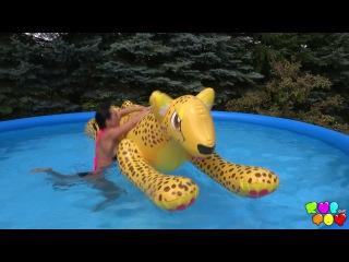 I need summer! RubYourToy.com free clip