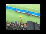 Mascote Vinicius dançando funk nas Olimpíadas Rio 2016